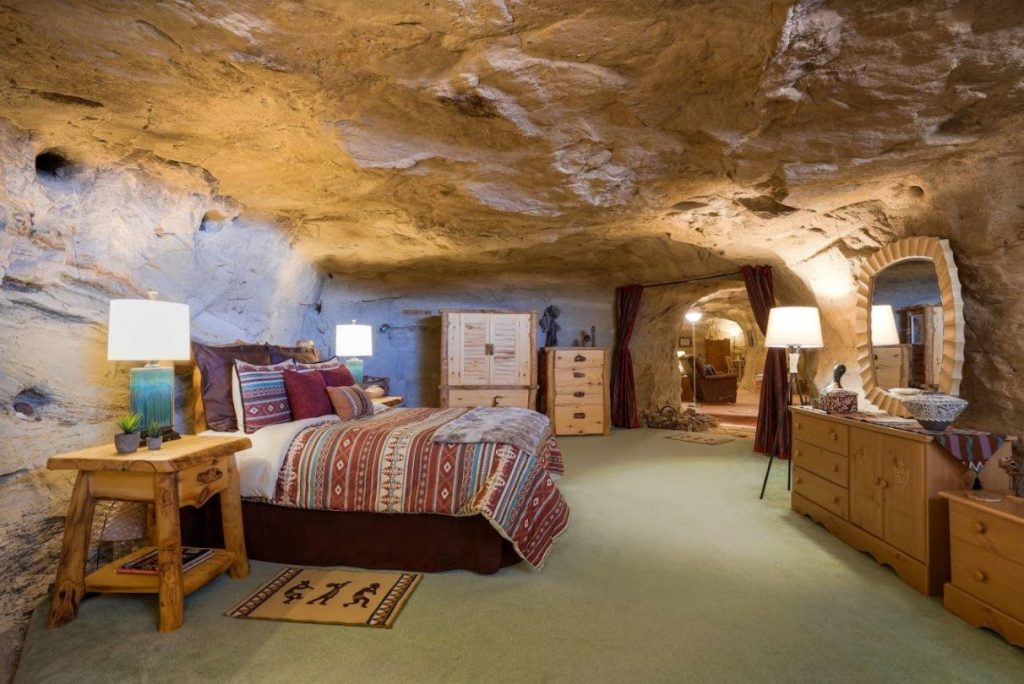 Kokopelli's Cave Bed and Breakfast